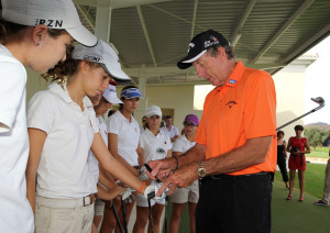David Leadbetter Academy first day with David Leadbetter coaching upcoming Spanish girls golfers